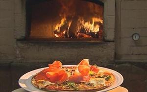 Receita de Pizza de presunto de parma com queijo brie
