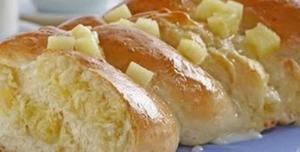 Receita de Pão com Creme de Abacaxi e Coco