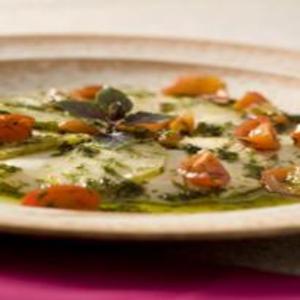 Receita de Ravióli de paio ao pesto e tomatinhos