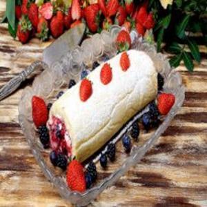 Receita de Rocambole de frutas vermelhas