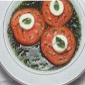 Receita de Salada Caprese com Pesto de Rúcula