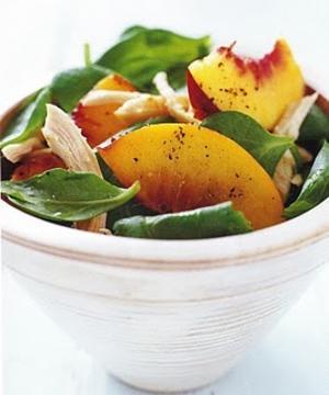Receita de Salada Carnuda de Pêssego e Frango