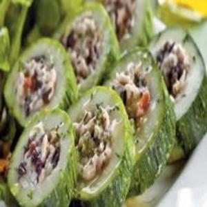 Receita de Salada de Abobrinha Recheada de Frango
