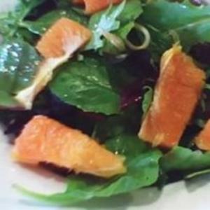 Receita de Salada de alface com frutas cítricas