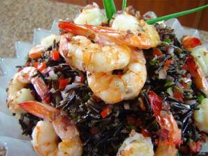 Receita de Salada de Arroz Selvagem e Camarões