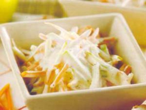 Receita de Salada de cenoura com maionese e iogurte