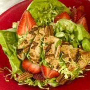 Receita de Salada de frango grelhado com frutas da estação