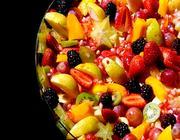 Salada de Frutas com Calda de Romã e Iogurte