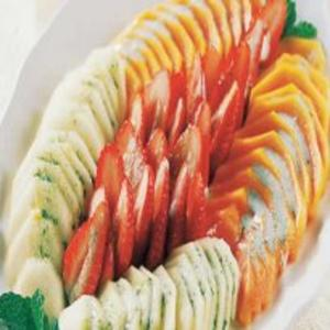 Receita de Salada de Frutas com Molho de Iogurte e Hortelã