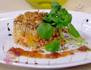 Receita de Salada de grãos com bacalhau e crosta de chia