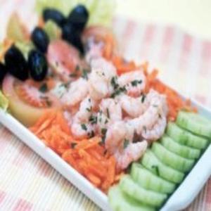 Receita de Salada de legumes com camarão