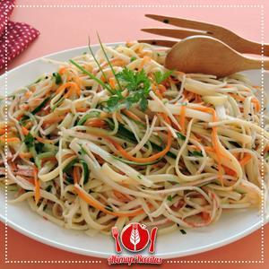 Receita de Salada de Linguini com Kani-Kama e Palmito