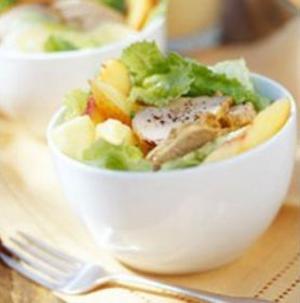 Receita de Salada de Lombo com Abacaxi e Gengibre