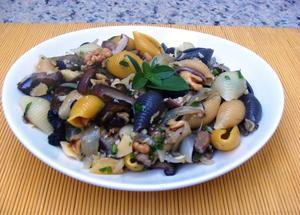 Receita de Salada de Macarrão com Funghi e Berinjela