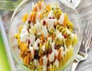 Salada de macarrão com molho de ricota
