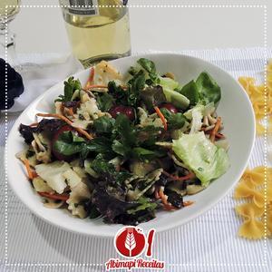 Receita de Salada de Macarrão com Molho Picante