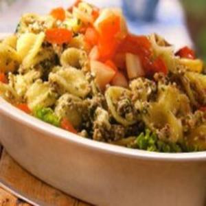Receita de Salada de macarrão com sardinha
