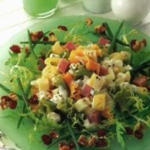 Receita de Salada de macarrão e frutas