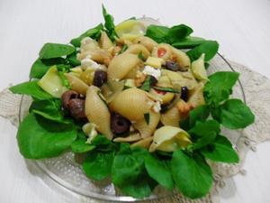 Receita de Salada de macarrão com alcachofra