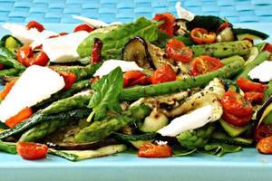 Receita de Salada de Quinua Real com Tomate Cereja, Queijo de Cabra