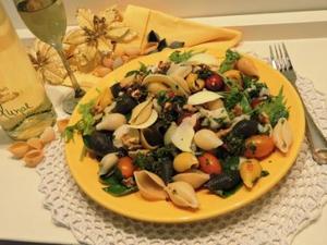 Receita de Salada Festiva com Molho de Agrião
