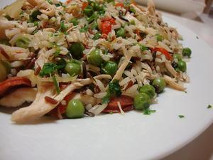 Receita de Salada Quente de Arroz com Frango e Legumes