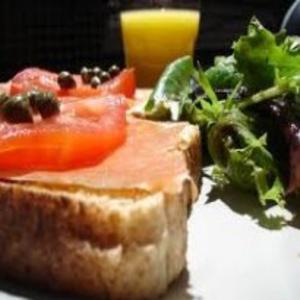 Receita de Sanduíche de salmão defumado