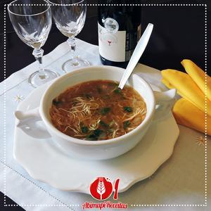 Receita de Sopa de Cebola e Macarrão