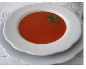 Receita de Sopa de Tomate e Queijo Minas Frescal