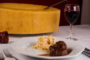 Receita de Spaghetti ao Formaggio Flambado