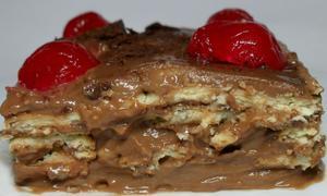 Receita de Torta de Brigadeiro com Biscoito