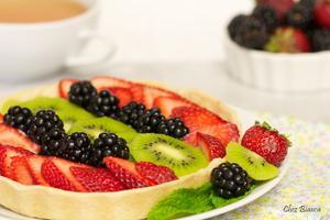 Receita de Torta de frutas com creme de baunilha