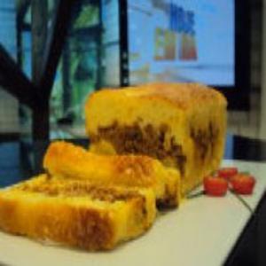 Receita de Torta de Fubá com Carne Moída e Banana do Edu Guedes
