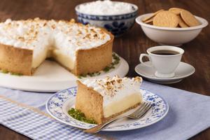 Receita de Torta de Limão com Biscoito Maria