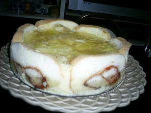 Receita de Torta Mousse de Abacaxi com Rocambole de Goiaba