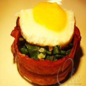Receita de Tortinha de Bacon com Espinafre e Ovo
