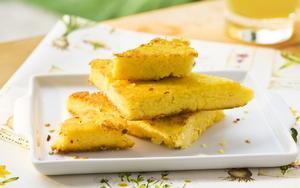 Receita de Triângulos de polenta grelhada com alecrim