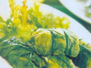 Receita de Trouxinhas de alface com ervas e queijo ao vapor