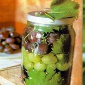 Receita de Uvas Mistas em Conserva
