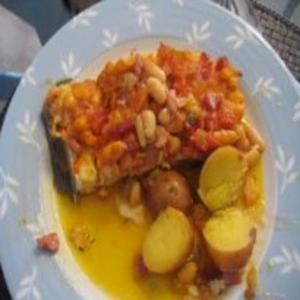 Receita de Bacalhau Assado com Feijão Branco, Tomate e Bacon