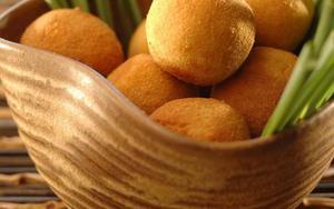 Receita de Bolinho de arroz de coco com camarão