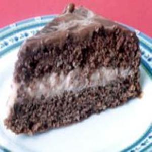 Receita de Bolo de Chocolate Recheado com Coco
