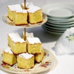 Receita de Bolo de fubá com limão e castanha-de-caju