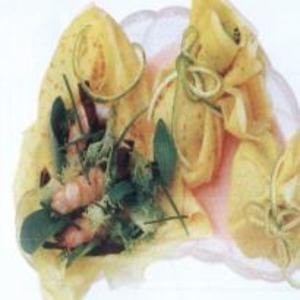 Receita de Crepes com Salada de Laqostim
