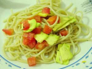 Receita de Espaguete com abacate