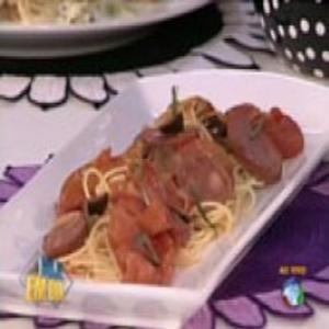 Receita de Espaguete com Calabresa e Molho de Tomate do Edu Guedes