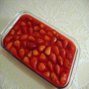 Receita de Gelatina ao creme com morangos
