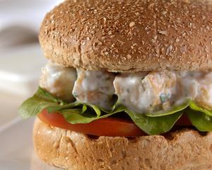 Receita de Hambúrguer de Frango com Iogurte no Pão Integral