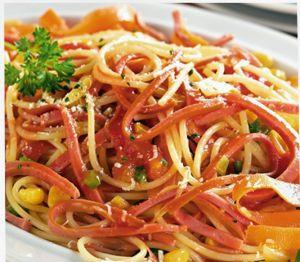 Receita de Macarrão com Legumes e Salsicha de Frango