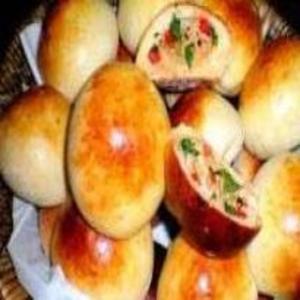 Receita de Pãozinho de batata recheado com frango e catupiry